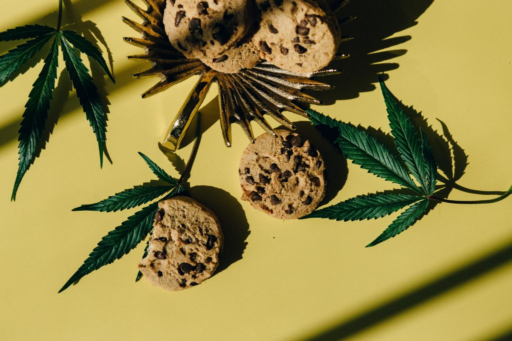 baking choclate chip cookies with cannabis is cooking with cannabis